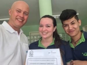 Recolhimento da urna de pesquisa na Pousada Vila Flor, junto à Carol e ao Rafael