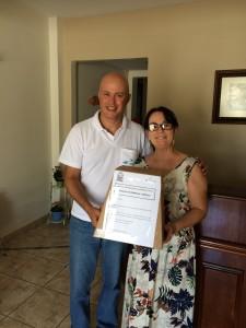Recolhimento da urna de pesquisa, com a Sra Fátima no Hotel Capelista